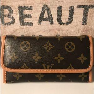 Louie Vuitton wallet